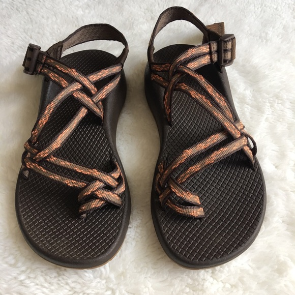 7f62c39e761130 Chaco Shoes - Chaco Women s Cherry Blossom Brown Sandals size 7